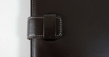 simplism_ipad_flip_leather_4.jpg