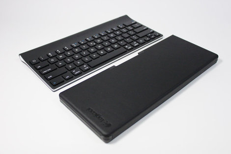 logicool_tablet_keyboard_for_ipad_3.jpg