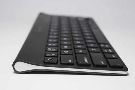 logicool_tablet_keyboard_for_ipad_5.jpg