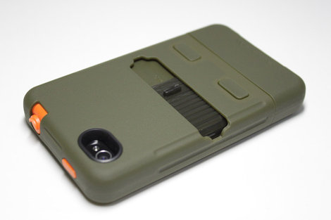 case_mate_iphone4_4s_tank_case_7.jpg