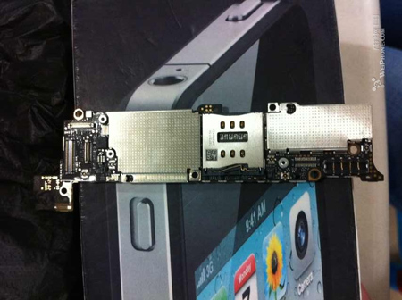 iphone5_logicboard_leak_0.jpg