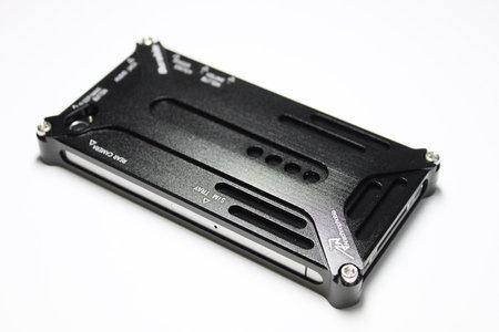 iphone_durable_diagonal_case_00.jpg