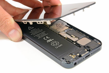 ifixit_iphone5_teardown_00.jpg