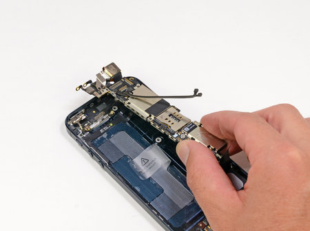 ifixit_iphone5_teardown_5.jpg