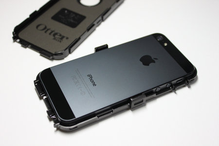 otterbox_defender_for_iphone5_6.jpg