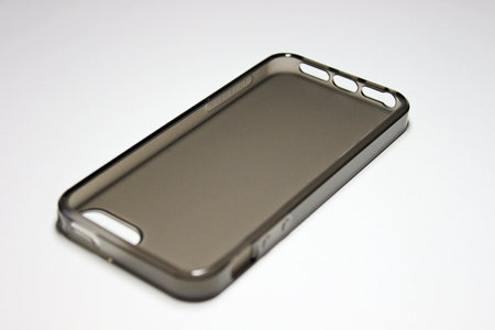 tunewear_iphone5_softshell_2.jpg