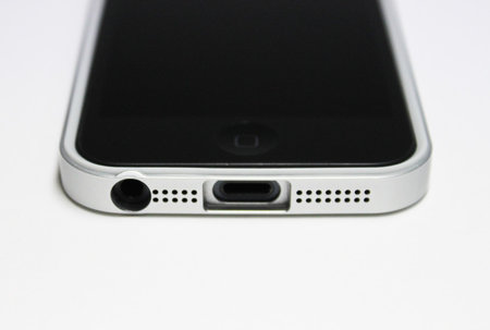 flat_bumper_for_iphone5_12.jpg