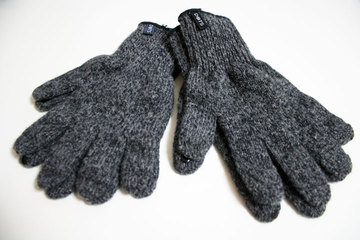 dots_gloves_review_7.jpg