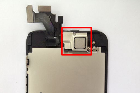 iphone5_nfc_chip_installed_0.jpg