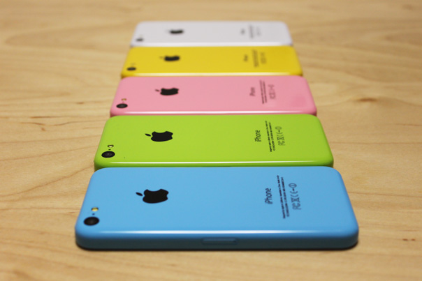 iphone5c_mock_all_colors_3