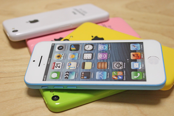 iphone5c_mock_all_colors_5