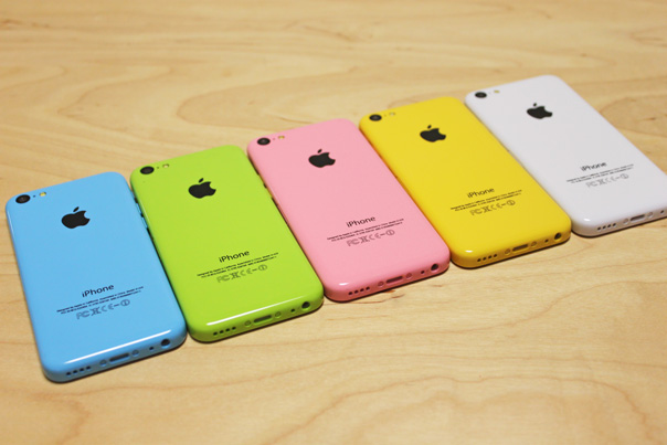 iphone5c_mock_all_colors_9