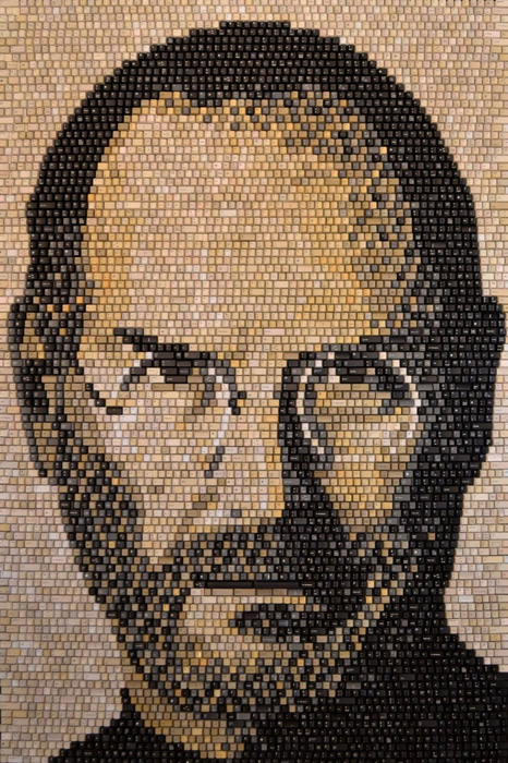 steve_jobs_keyborad_portrait_1