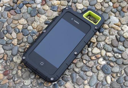 【レビュー】カラビナでぶら下げて使えるiPhone 4・4S用耐衝撃ケース『PureGear PX360˚』