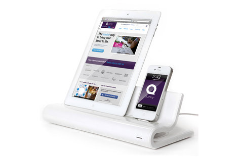 iPhone・iPadなどを4台まで充電できるスタンド『Converge』