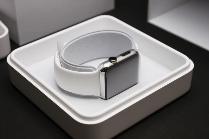 apple_watch_42mm_white_sport_review05