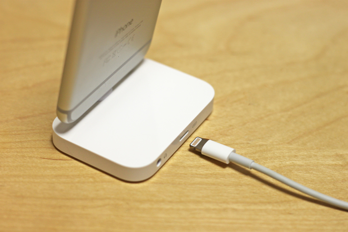 apple_iphone_lightning_dock_review_06