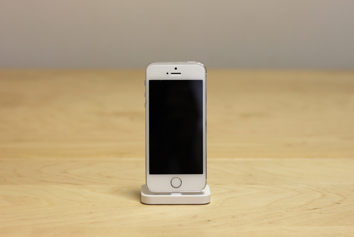 apple_iphone_lightning_dock_review_08