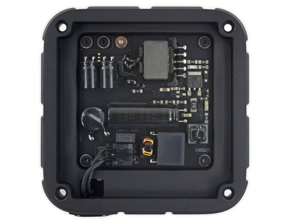 ifixit_apple_tv4_teardown_5