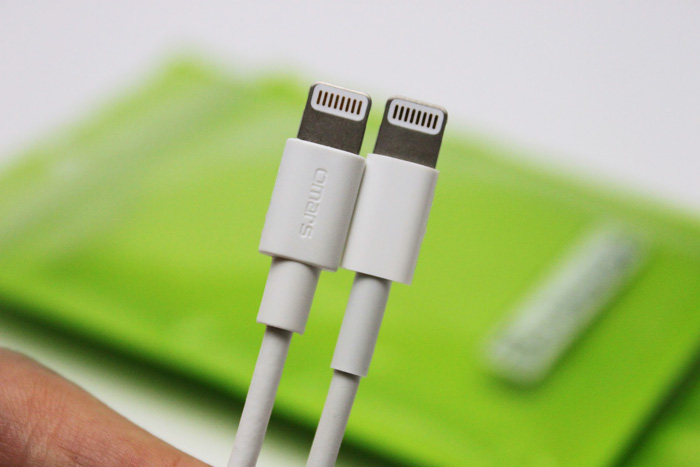 omars_lightning_cable_2