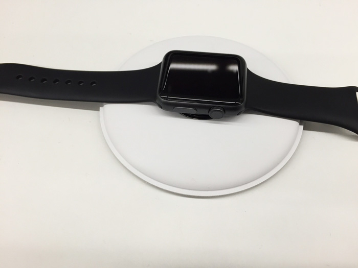 apple_watch_magnetic_charging_dock_2