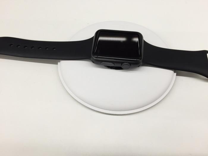 apple_watch_magnetic_charging_dock_2