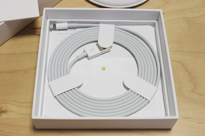 apple_watch_manetic_charging_dock_review_3