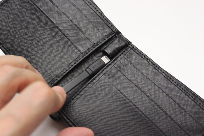 nomad_wallet_case_iphone_review_4